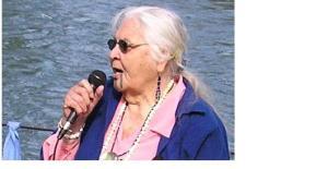 """Siletz-Takelma elder  """"Grandma Aggie"""" Baker at Willamette River blessing"""